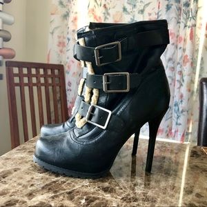 Simply Vera by Vera Wang Booties